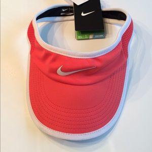 Nike women's Visor s/m Dri-Fit NWT